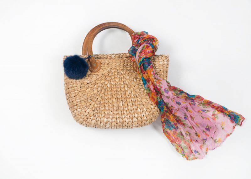 T&T - Tasche mit Tuch, so passt's zum Outfit und bekomme eine ganz luftig-leichte Note.