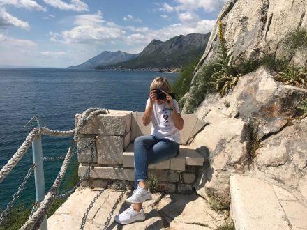 Viele malerische Aussichtspunkte und Fotospots an der Küstenstraße von Split nach Dubrovnik.