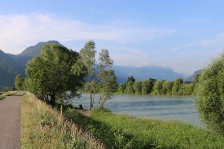 Entlang der Etsch geht es rund 70 km von Bozen nach Trient.