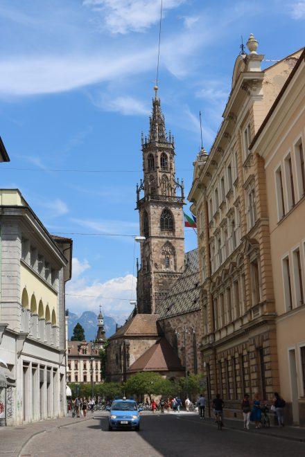 Der Dom Maria Himmelfahrt ist die Stadtpfarrkirche von Bozen.