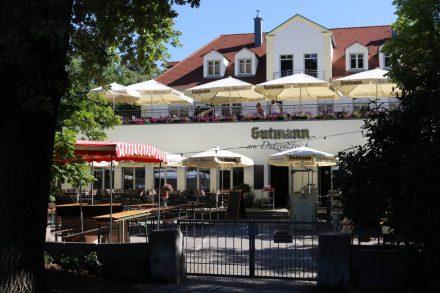 Das Gutmann mit Biergarten, Restaurant und Kleinkunstbühne.