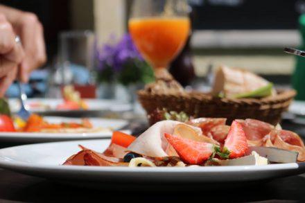 Im Cafe Zimt in München lässt es sich köstlich frühstücken. Schöne Auswahl, gute Qualität und nette Bedienung.