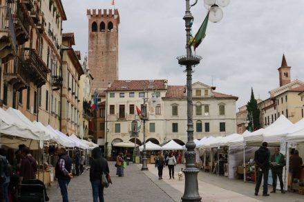 Der Piazza Liberta in der Fußgängerzone.