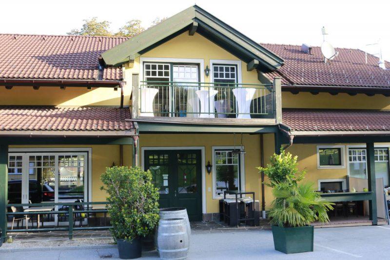Das Café Restaurant vom Schloss Camping in Volders.