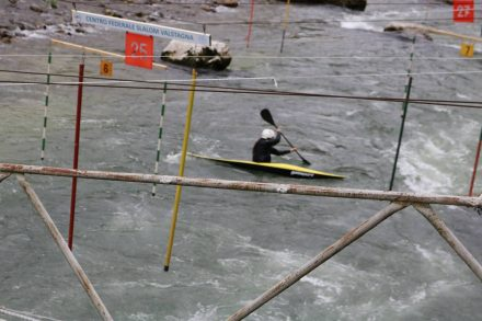 Ein Kajakfahrer im Training.