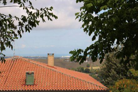 Blick über die Hügel der Emilia in Richtung Adria.