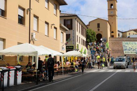 Der kleine Ort Tavullia ist eine Pilgerstätte für die unzähligen Valentino Fans.