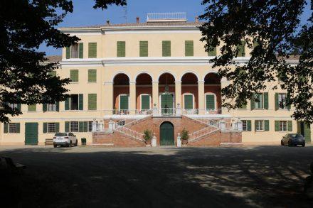 Die prächtige Villa mit Park und Direktverkauf.