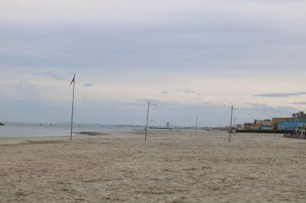 Am Strand von Viserbella hat man schon einen Ausblick auf Rimini.