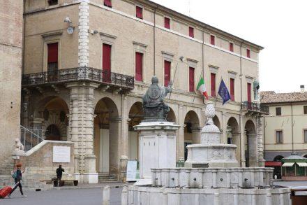 Der bekannteste Platz in Rimini - der Piazza Cavour.