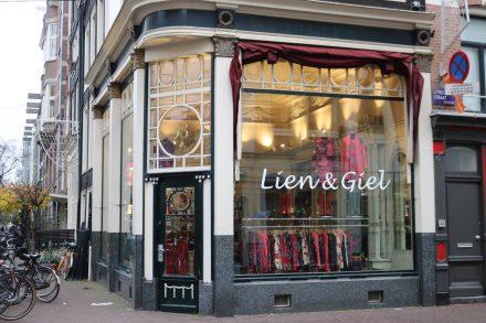 Hübsche individuelle Läden in schönen Fassaden.