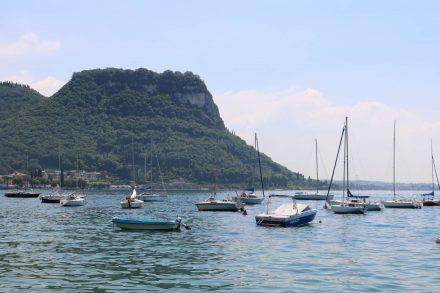 Blick zurück auf die Bucht von Bardolino.