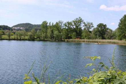 Blick vom Uferweg auf den Lago di Santa Maria, der gleich neben dem Lago di Lago liegt.