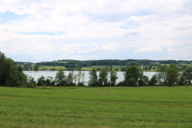 Blick auf den Tachinger See.