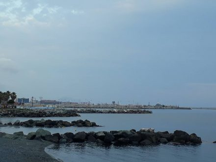 Ein abendlicher Blick auf Genua zum Start der 10-Tages-Tour.