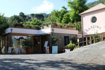 Die Einfahrt zum Campingplatz nur rund 5 Gehminuten vom Zentrum von Levanto.