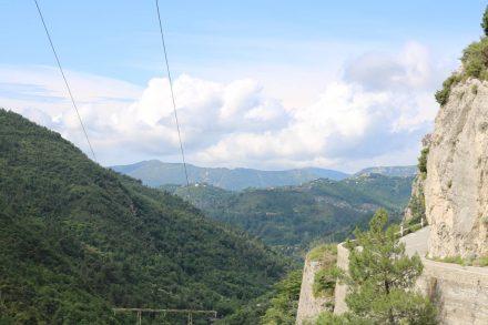 Das schmale Bergsträßchen macht wirklich allen leidenschaftlichen Kurvenfahrern reichlich Freude.