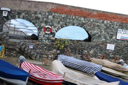 Sogar die Boote in Levanto tragen meinen Lieblingslook.