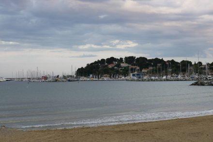 Blick auf den Hafen von Cavalaire sur mer.