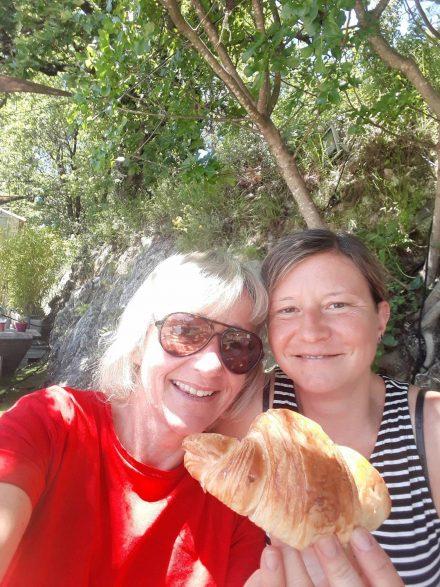 Mitten im Niemandsland gabs die köstlichsten Croissants in einer Bio-Boulangerie. Vollbremsung lohnt sich!