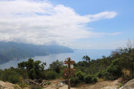 Der erste lange Anstieg von Levanto hat uns bis hoch über Monterosso geführt.