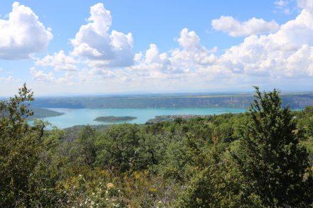 Die Verdonschlucht mündet in den Lac du Sainte Croix.