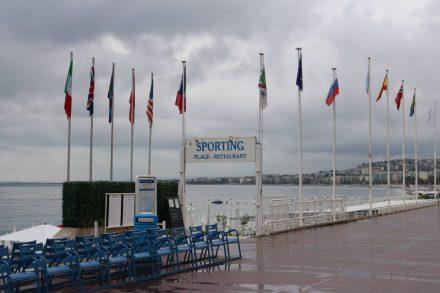 Im exklusiven Sporting Club kann man direkt am Meer sonnenbaden, schlemmen und trainieren.