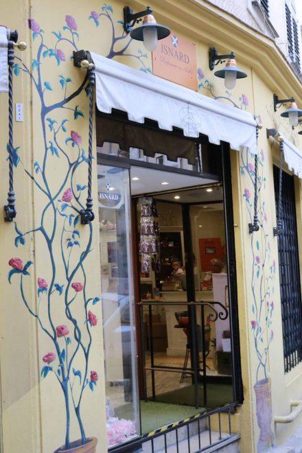 Fast jedes zweite Haus in Grasse beherbergt eine Parfümerie.