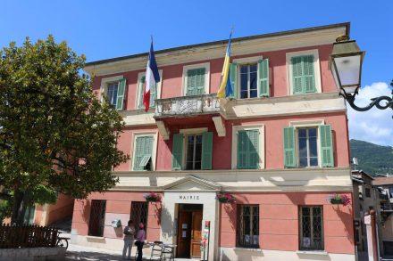 Das rosa Rathaus von Sospel