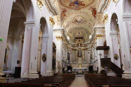 Auch innen ist die Kirche von Sospel wirklich einen Besuch wert.