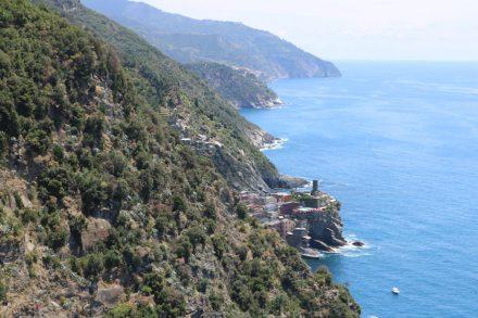 Die Cinque Terre Buchten an der ligurischen Küste.