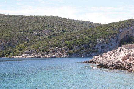 Noch mehr Felsen, Meer und Idylle.