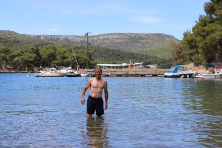 Nach der doch recht sonnigen Kabaltour tut eine Erfrischung im Meer so richtig gut.