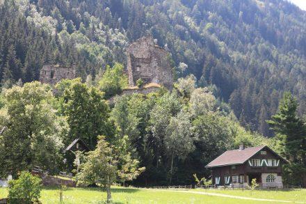 Die Ruine Kienburg kurz vor St. Johann im Walde.
