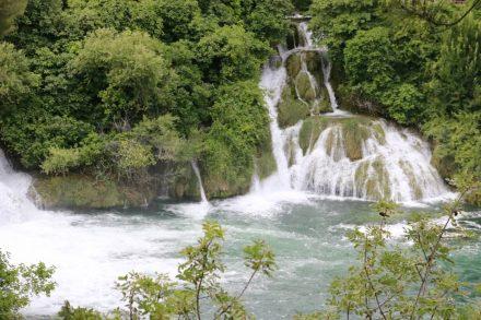 Mal schmal, mal breit - Wasserfälle in allen Varianten.