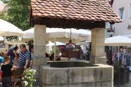 Der Brunnen in der Fußgängerzone von Lauf.