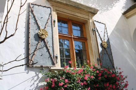 Der Innenhof vom wunderschön gepflegten Kulturhaus in Rust.