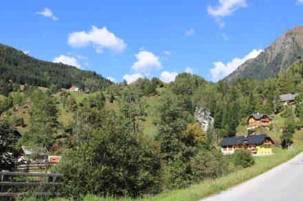 Hinter Muhr stromaufwärts gehts hinauf bis zur Sticklerhütte.