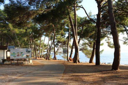 Der Campingplatz direkt am Meer.