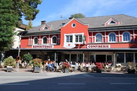 Am Gasserplatz liegt auch die preisgekrönte Semmelrock Confiserie.