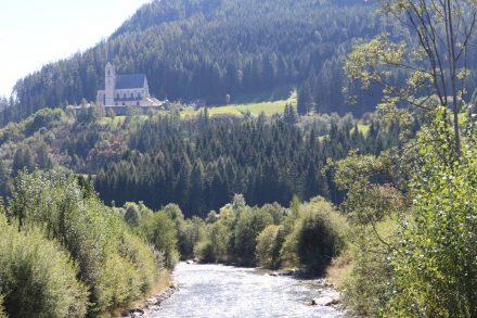 Über Tamsweg liegt die Wallfahrtskirche St. Leonhard.