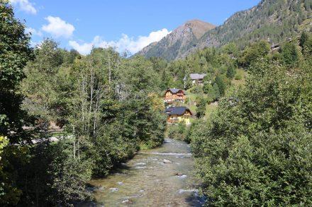 Von Muhr gehts hinauf auf die Sticklerhütte - von dort kann man zum Mur-Ursprung wandern.