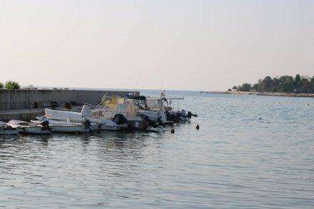Der kleine Hafen von Zambratija.