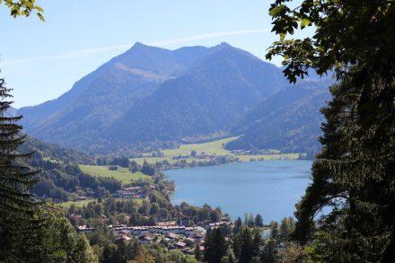 Der erste Blick zurück beim Aufstieg auf den Schliersberg.