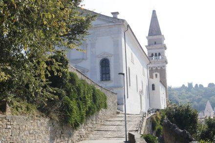 Hoch über Piran thront die Domkirche.