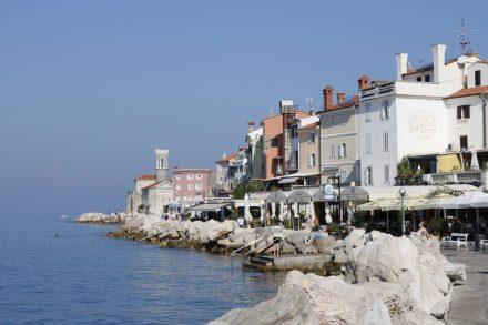 Die einladende Uferpromenade in Piran.