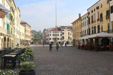 Die hübsche Innenstadt mit Fußgängerzone in Este.