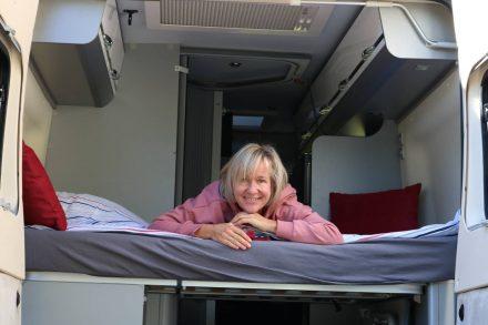 Ich finde das Adria Twin Bett urgemütlich - oft liege ich hier auch abends und lese.