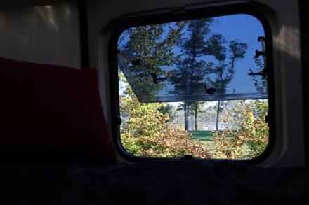 Das ist ein romantisches Erwachen - Blick aus dem Heckfenster.