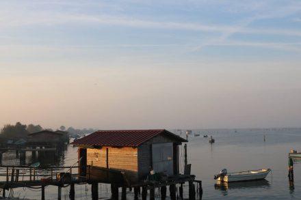 Die ersten Blicke aufs Meer in wunderschönem Morgenlicht.